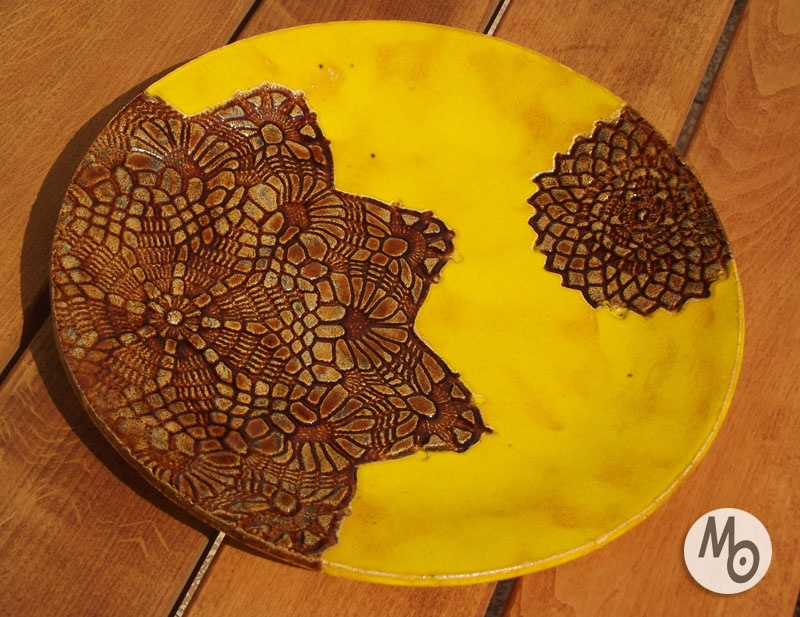 Ręcznie robiona patera z ceramiki artystycznej