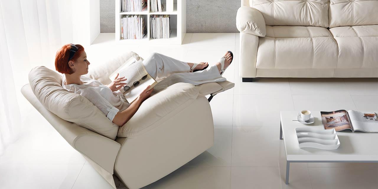 Fotel do relaksu z podnóżkiem